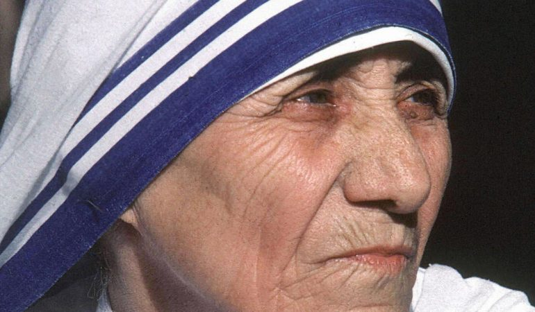 This undated photo shows Mother Teresa.  Mother Teresa will be beatified, 19 October 2003, in a ceremony in St Peter's Square, Vatican. The beatification ceremony is the penultimate step to being canonised a saint and has been the shortest in modern history. Following the beatification, a second miracle has to be verified by the Vatican before Mother Teresa can be proclaimed a saint.   AFP PHOTO RAVEENDRAN/AFP        (Photo credit should read RAVEENDRAN/AFP/GettyImages)