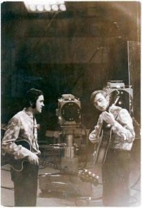 Su Antanu Obolėnu prieš pirmąjį koncertą Lietuvos televizijoje, 1968 m.