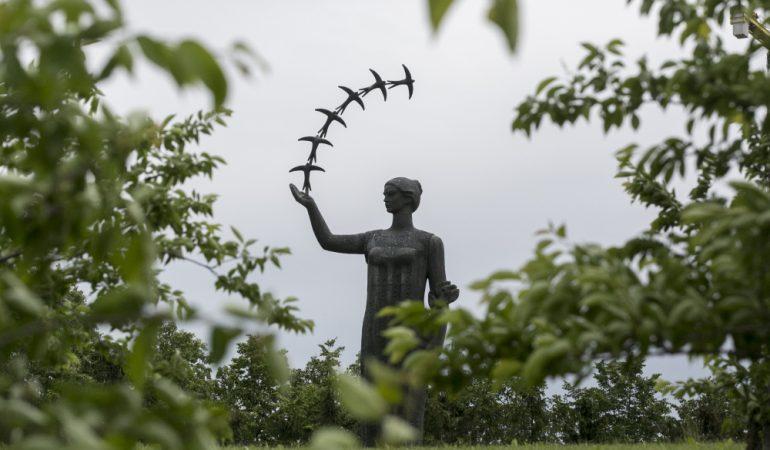 Juozas Mikėnas – nelengvo likimo skulptorius