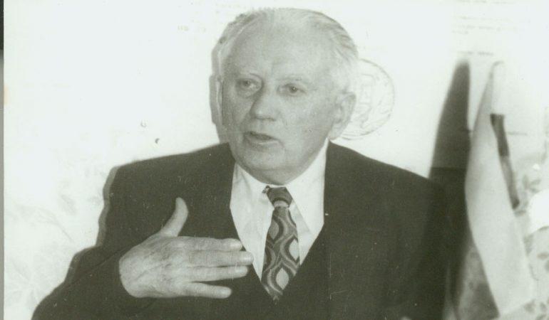 Alfredo Vėliaus ordinacijos pamaldos Šilutės evangelikų liuteronų bažnyčioje 1992 m. balandžio 26 d. Broniaus Rudžio nuotrauka