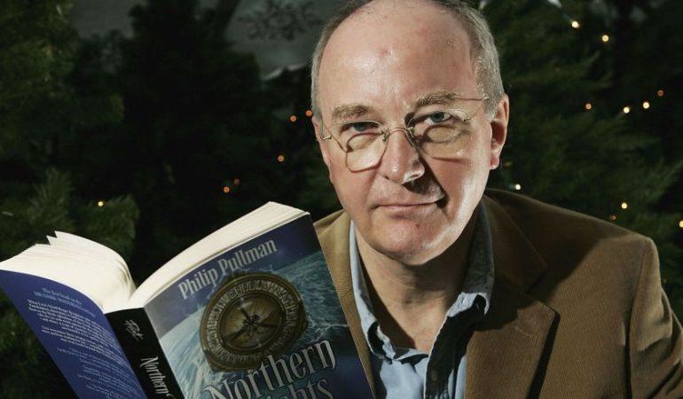 """Rašytojas Philipas Pullmanas: """"Turime suteikti vaikams laisvę nežinoti"""""""