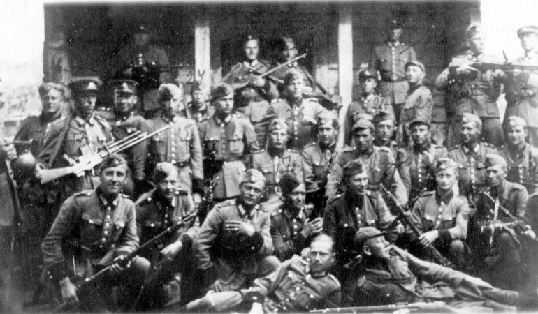Nežinomo lietuvių policijos bataliono kariai Baltarusijoje 1943 m.