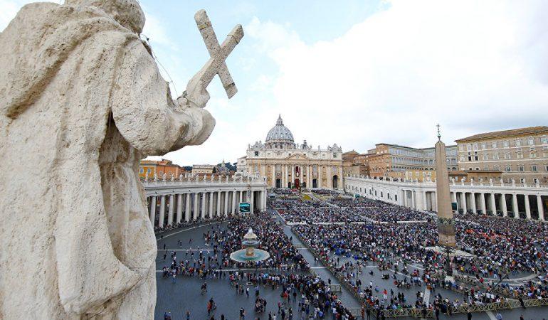 Kovo 1-oji istorijoje: 1939 m. prasidėjo Katalikų Bažnyčios konklava, popiežiumi išrinkusi Pijų XII.