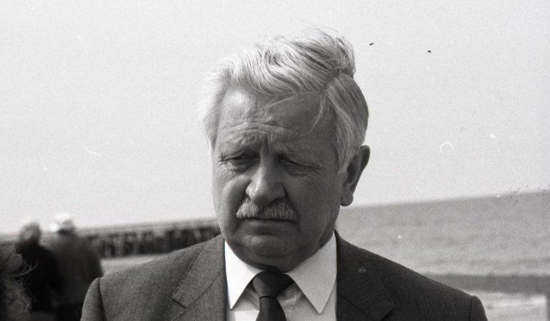 Kunigas Fricas Skėrys, per viešnagę Lietuvoje 1988 m.  Nuotrauka Bernardo Aleknavičiaus.