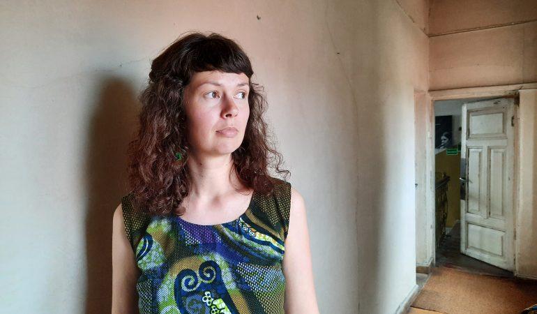 """Jovita Sandaitė: """"Humanitarinis darbas – tai pleistro klijavimas ant žaizdos"""" (tinklalaidė)"""
