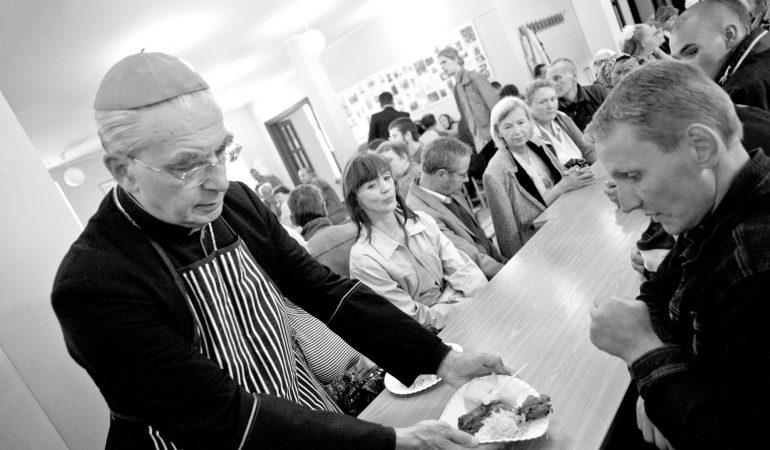 """Kard. Audrys Juozas Bačkis: """"Bažnyčios misija – mylėti ir tarnauti"""""""