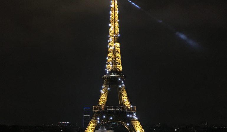 Kovo 31-oji istorijoje. Baigtas statyti Eifelio bokštas.