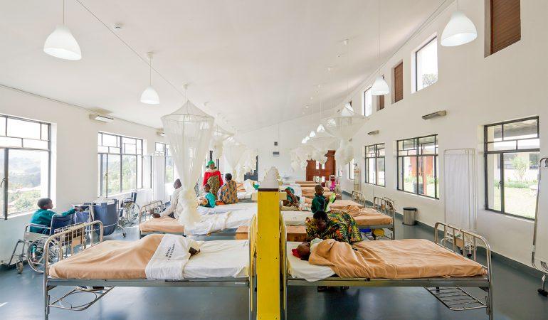 Butarės rajono ligoninė. Ruanda. Mass Design group, 2011