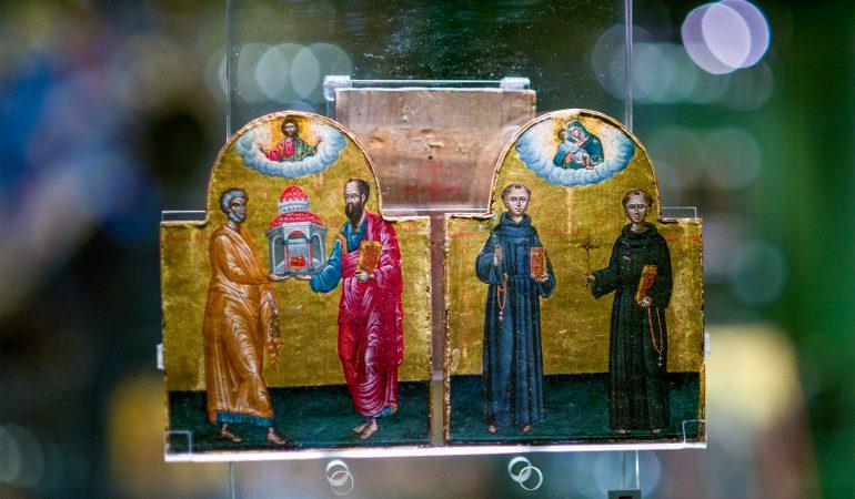Ikona-diptichas su apaštalais Petru ir Pauliumi bei pamokslaujančiais vienuoliais. Evgenios Levin nuotrauka.