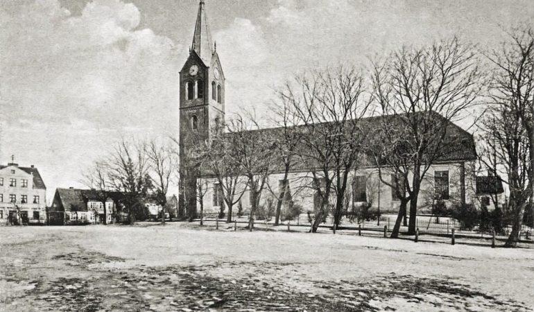 Ragainės evangelikų liuteronų bažnyčia XX a. pradžioje. Šioje bažnyčioje nuo 1549 m. kovo 18 d. kunigavo Martynas Mažvydas (1520–1563)