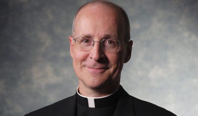 James Martin SJ.Koks yra Bažnyčios oficialus mokymas apie homoseksualumą?